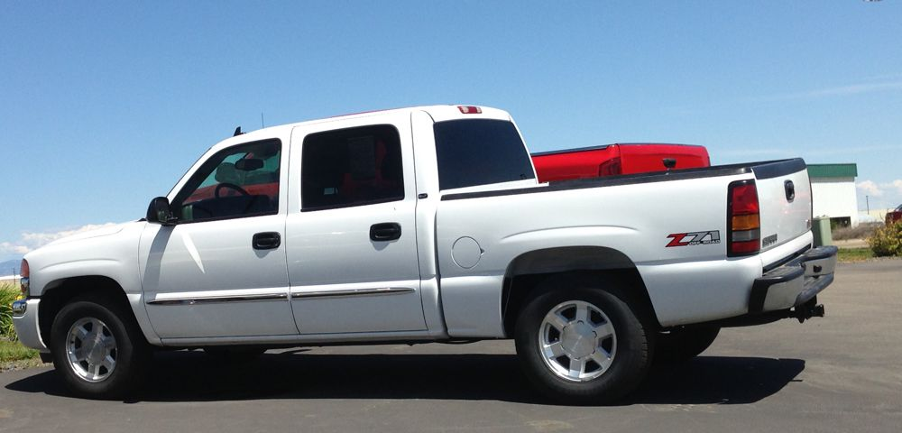 Used White Chevrolet Truck